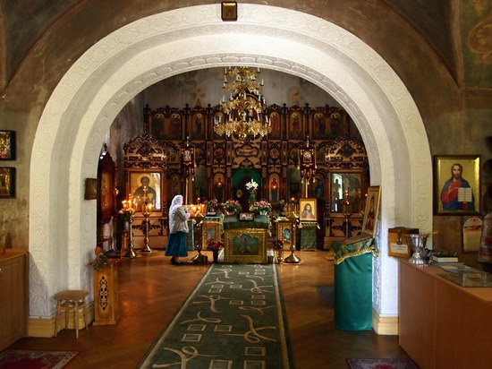 Church in Natalievka estate, Kharkov region, Ukraine photo 5