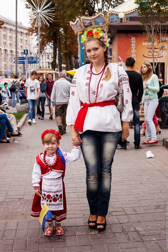 Ukrainians celebrating Independence Day, Kyiv photo 16