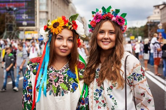 Ukrainians celebrating Independence Day, Kyiv photo 8