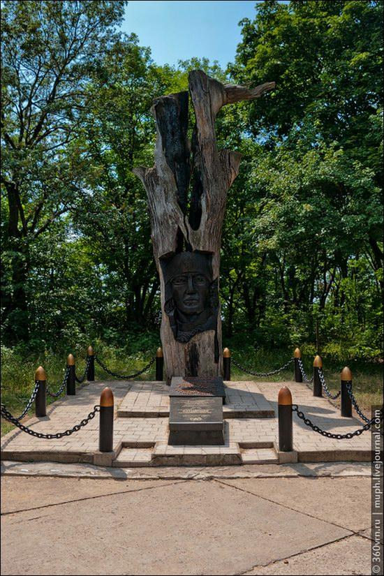 Svyatogorsky Historical-Architectural Reserve, Ukraine photo 9