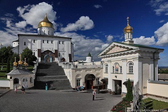 The Holy Trinity Cathedral of the Pochaev Lavra, Ukraine photo 1