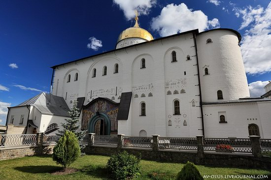 The Holy Trinity Cathedral of the Pochaev Lavra, Ukraine photo 10