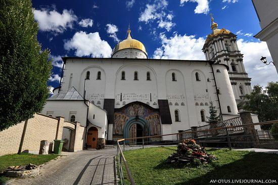 The Holy Trinity Cathedral of the Pochaev Lavra, Ukraine photo 11