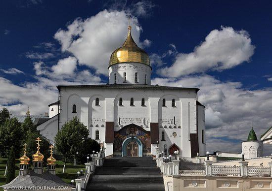 The Holy Trinity Cathedral of the Pochaev Lavra, Ukraine photo 2