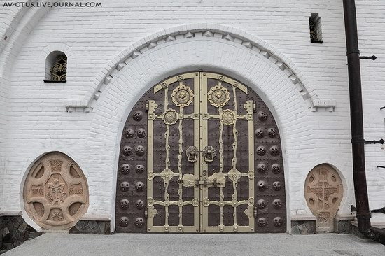 The Holy Trinity Cathedral of the Pochaev Lavra, Ukraine photo 5