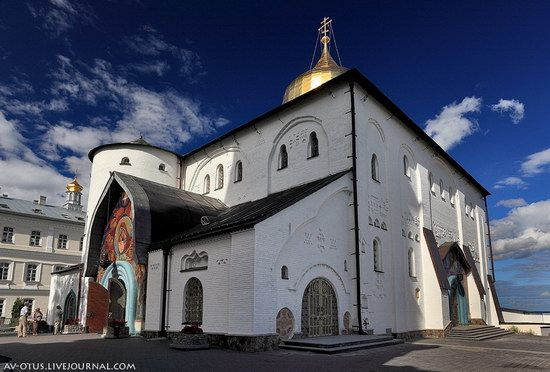 The Holy Trinity Cathedral of the Pochaev Lavra, Ukraine photo 6