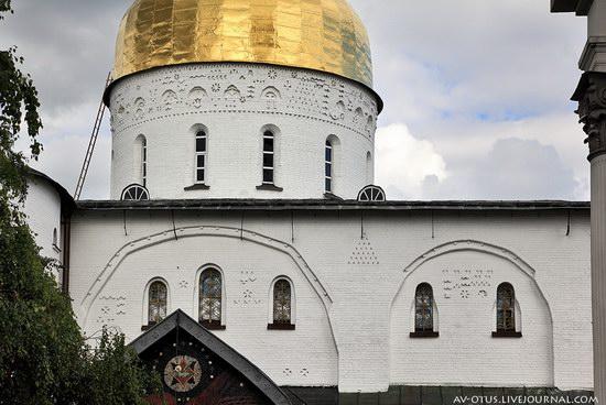 The Holy Trinity Cathedral of the Pochaev Lavra, Ukraine photo 7