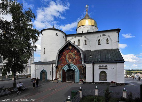 The Holy Trinity Cathedral of the Pochaev Lavra, Ukraine photo 8