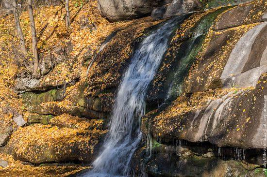 Golden Autumn in Sofiyivka Park, Uman, Ukraine photo 5