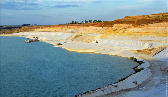 Beautiful quartz quarry in Kharkiv region, Ukraine, photo 18