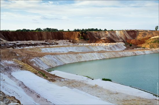 Beautiful quartz quarry in Kharkiv region, Ukraine, photo 19