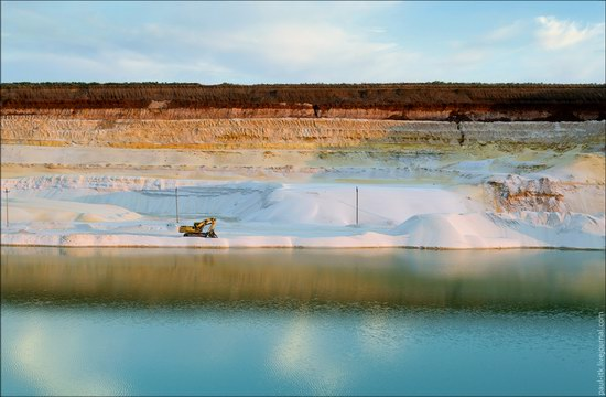 Beautiful quartz quarry in Kharkiv region, Ukraine, photo 23
