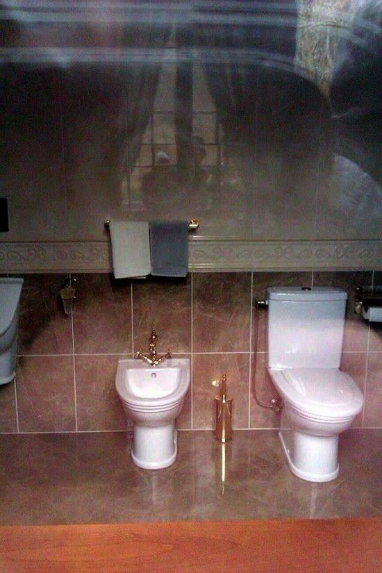 Inside the residence of Yanukovych, Ukraine photo 16