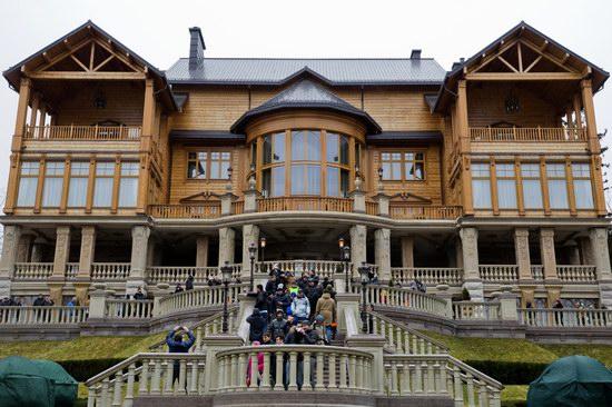 Inside the residence of Yanukovych, Ukraine photo 6