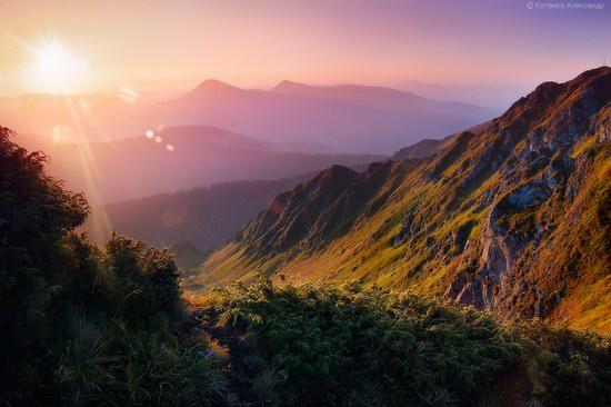 Hutsul Alps, Zakarpattia region, [...] </p>  </td></tr></table> <table width=