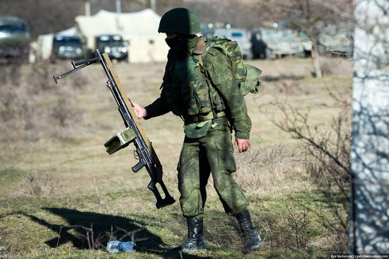 Russian troops, Crimea, Ukraine, photo 14