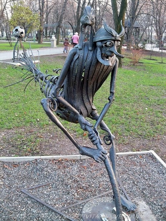 Forged Figures Park in Donetsk, Ukraine, photo 11
