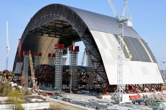 "Construction of ""New Safe Confinement"" for Chernobyl NPP, Ukraine, photo 1"