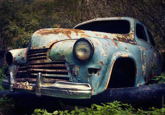 Abandoned vintage cars, Ukraine, photo 2