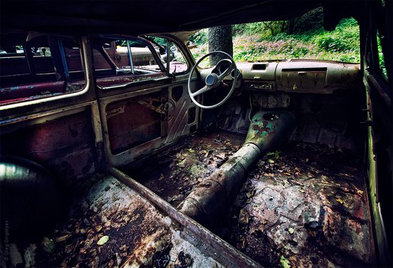 Abandoned vintage cars, Ukraine, photo 5