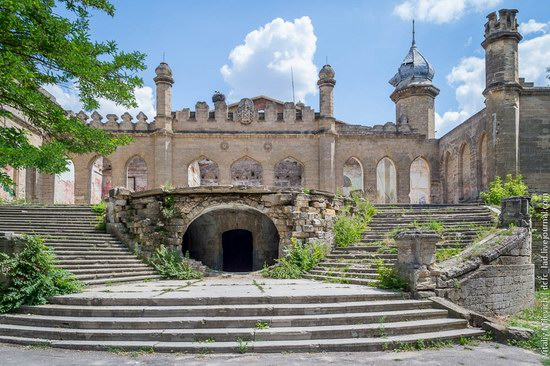Abandoned Moorish palace near Odessa, Ukraine, photo 4