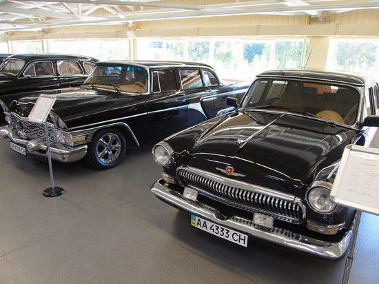 Vintage cars collection Mezhigorie, Ukraine, photo 12
