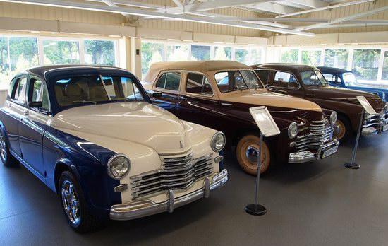 Vintage cars collection Mezhigorie, Ukraine, photo 14