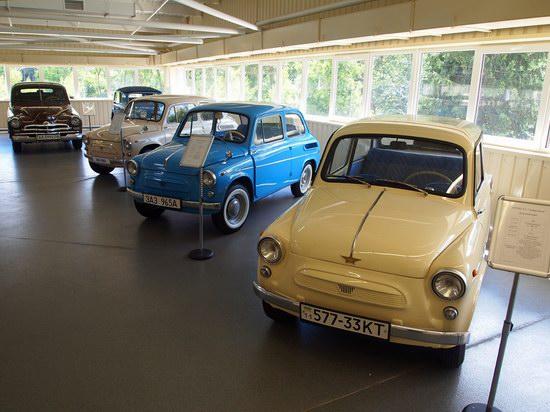 Vintage cars collection Mezhigorie, Ukraine, photo 15