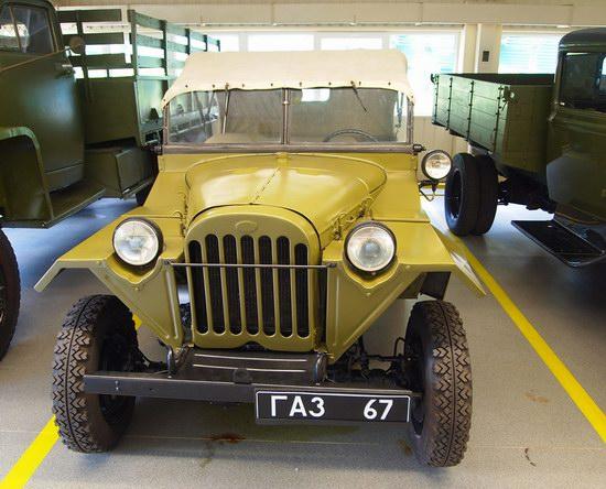 Vintage cars collection Mezhigorie, Ukraine, photo 17