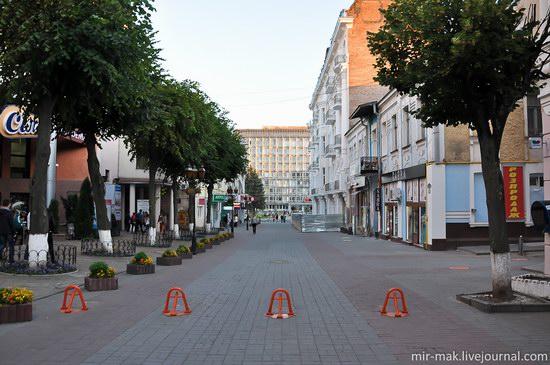 Walking the streets of beautiful Vinnitsa, Ukraine, photo 11