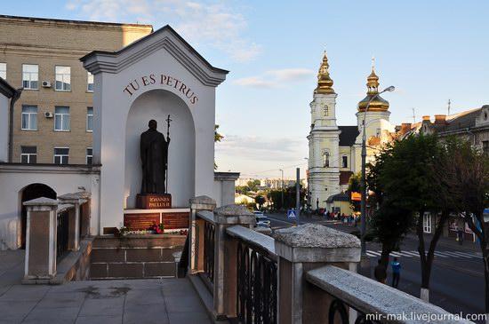 Walking the streets of beautiful Vinnitsa, Ukraine, photo 14
