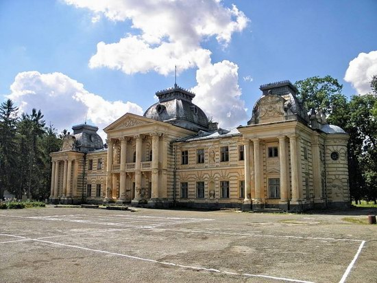 Badeni palace, Koropets, Ukraine, photo 1