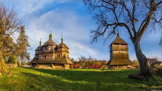 St. Michael church, Komarno, Ukraine, photo 1