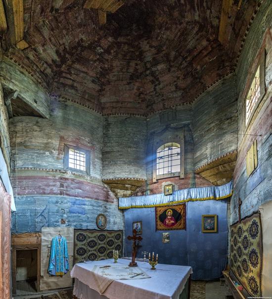 St. Michael church, Komarno, Ukraine, photo 10