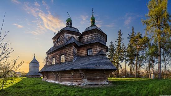 St. Michael church, Komarno, Ukraine, photo 5