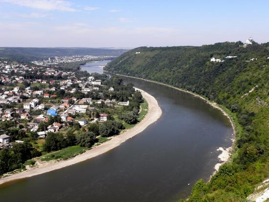 Zalishchyky resort town, Ternopil region, Ukraine, photo 5