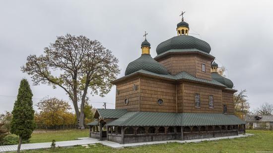 St. Nicholas Church in Sasiv, Lviv region, Ukraine, photo 2