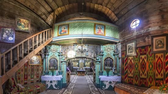 St. Nicholas Church in Sasiv, Lviv region, Ukraine, photo 5