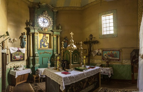 St. Nicholas Church in Sasiv, Lviv region, Ukraine, photo 6