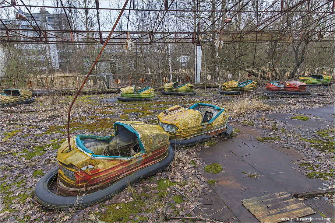 chernobyl nuclear disaster On the night of april 26, 1986, engineers at the chernobyl nuclear plant in what was then soviet ukraine performed a safety test at the plant's no 4 reactor.