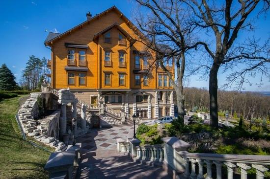 The former residence of Yanukovych in Mezhyhiria, Ukraine, photo 4