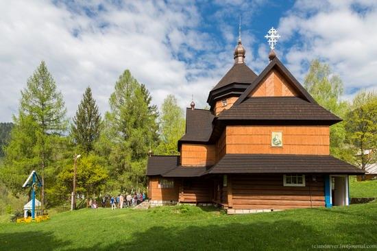 Church in Kryvorivnia, Ukraine, photo 10