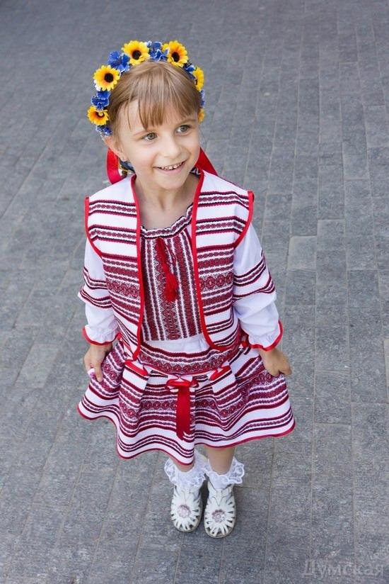 Marsh in national costumes, Odessa, Ukraine, photo 3