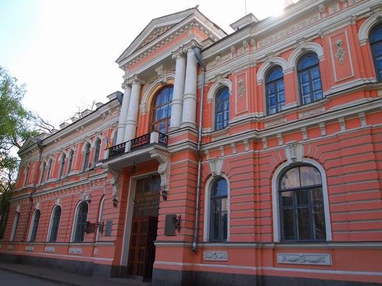 Poltava streets in spring, Ukraine, photo 19