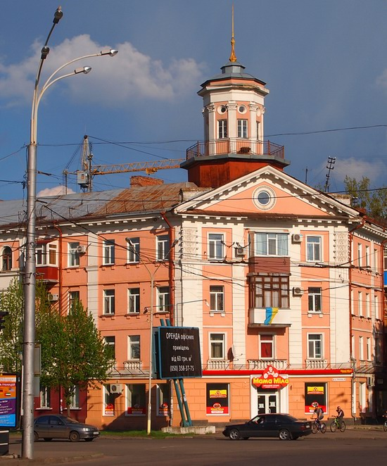 Poltava streets in spring, Ukraine, photo 23