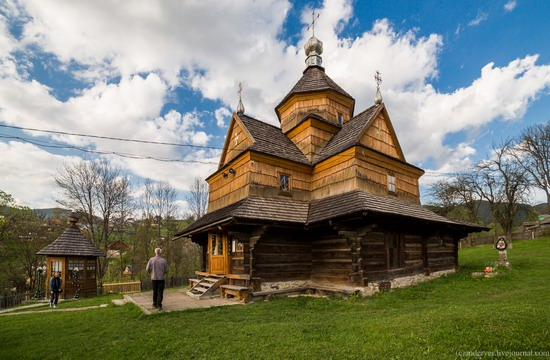 Church in Vorokhta, Ivano-Frankivsk region, Ukraine, photo 1