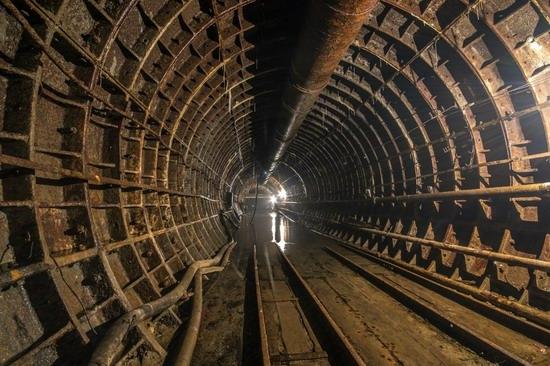 The catacombs of the unfinished subway, Dnepropetrovsk, Ukraine, photo 11