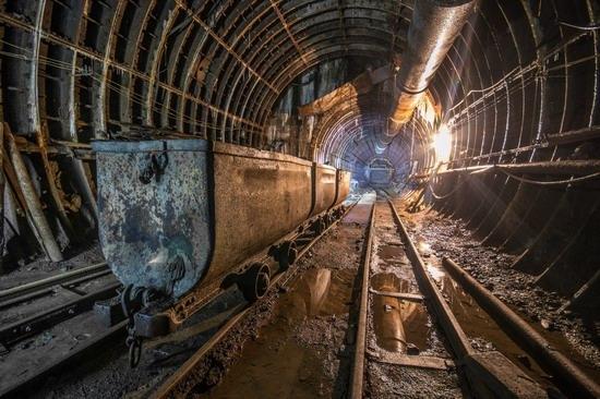 The catacombs of the unfinished subway, Dnepropetrovsk, Ukraine, photo 14