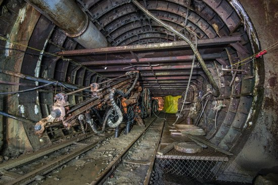 The catacombs of the unfinished subway, Dnepropetrovsk, Ukraine, photo 17