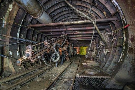 The catacombs of the unfinished subway, Dnepropetrovsk, Ukraine, photo 17